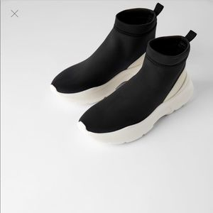 Zara man sneakers size 10 NWT